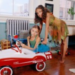 web-getty-family-wagon-girls