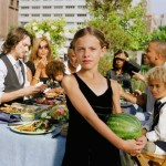 web-getty-family-watermellon-girl